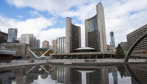 ¿A cuanto equivale mi sueldo en Toronto?