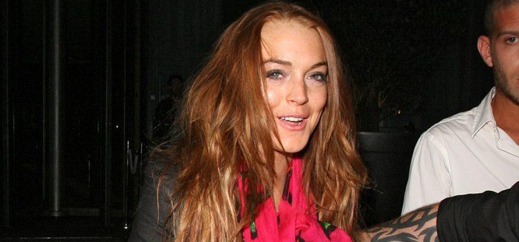 Charlie Sheen al rescate de Lindsay Lohan