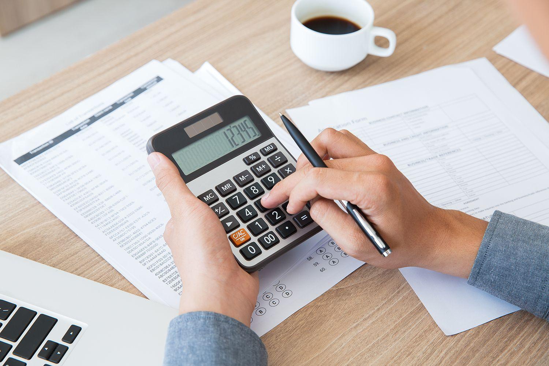 Cómo atraer y retener a las mujeres jóvenes en la contabilidad