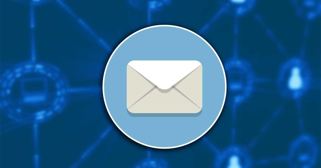 El correo electrónico y la mensajería instantánea se consideran formas populares de comunicación laboral en 2020