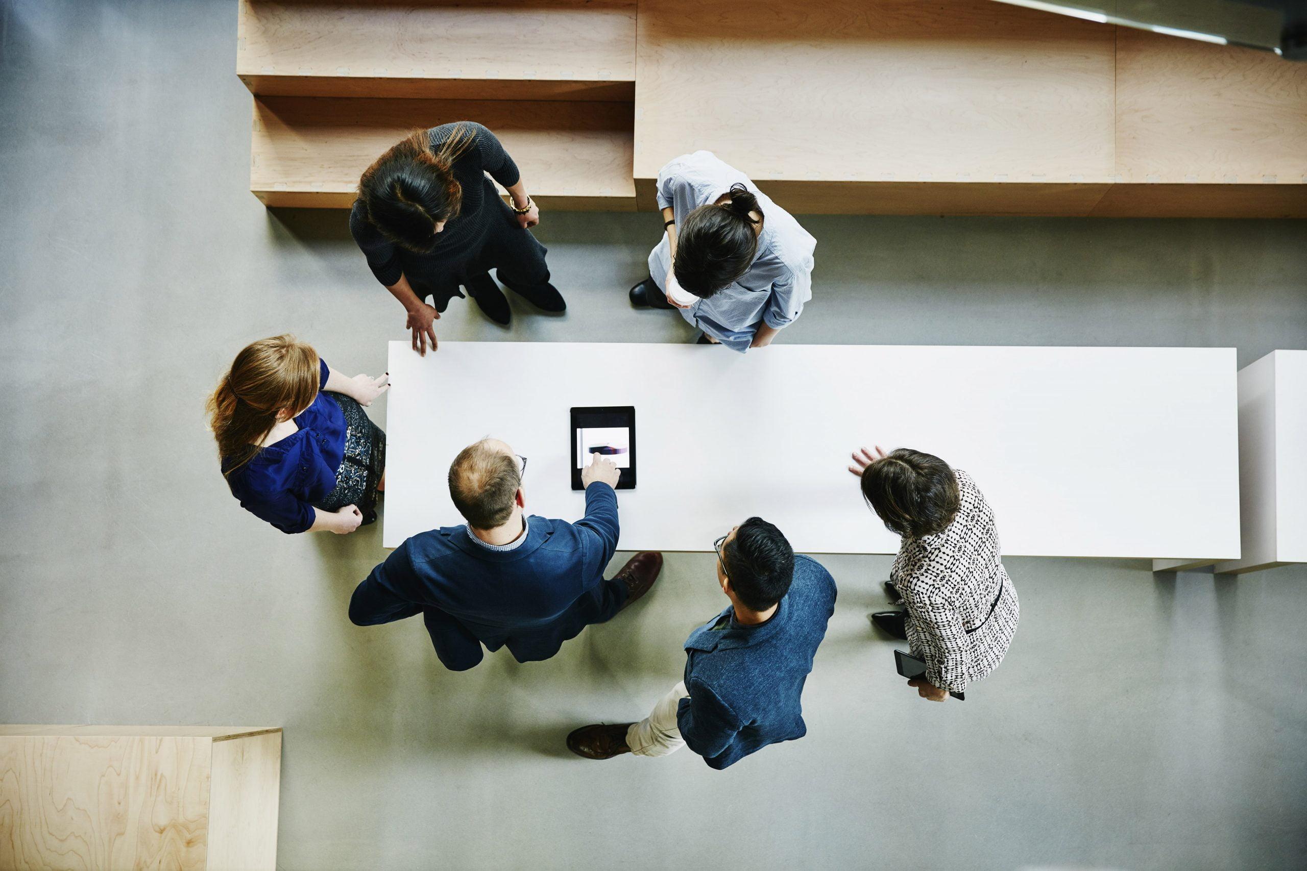 El crecimiento de las cuatro grandes empresas liderado por los servicios de asesoría