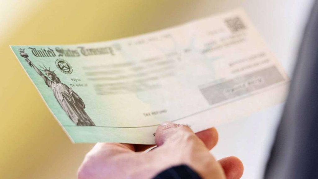 El IRS propone reglas de impuestos más claras para parejas casadas del mismo sexo