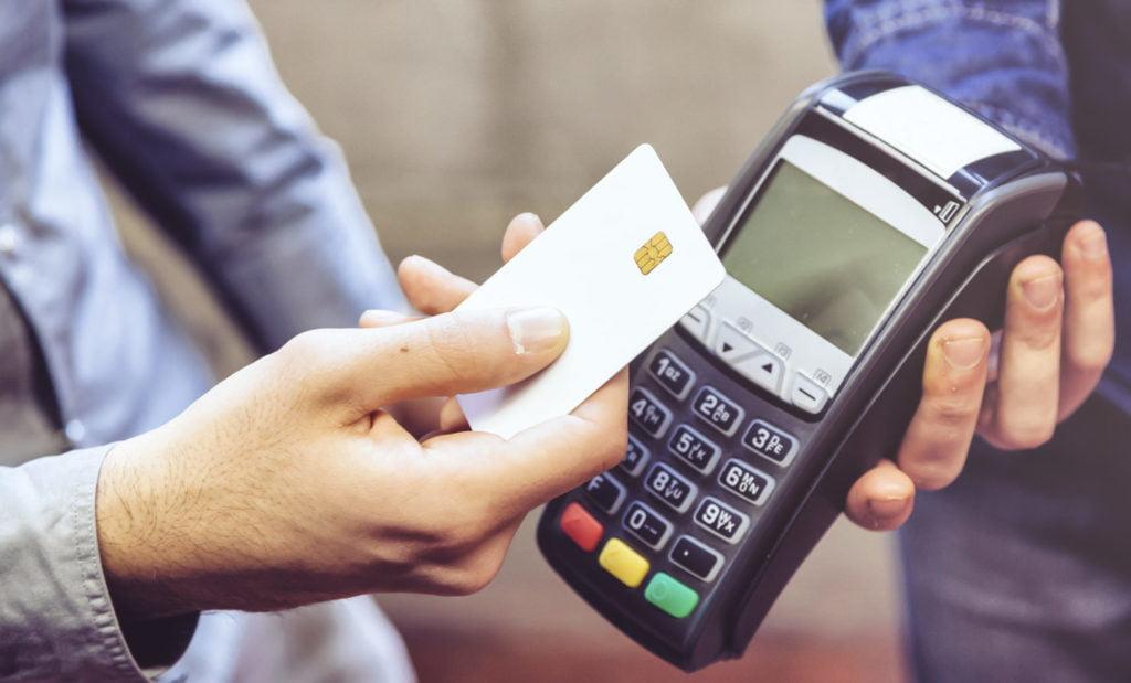 La mujer usó identidades robadas y tarjetas de débito para obtener reembolsos de impuestos