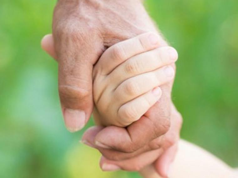 Las exenciones fiscales para los abuelos que crían a sus nietos