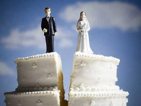 Problemas de los clientes de la Generación X: Los costos de casarse con los jóvenes